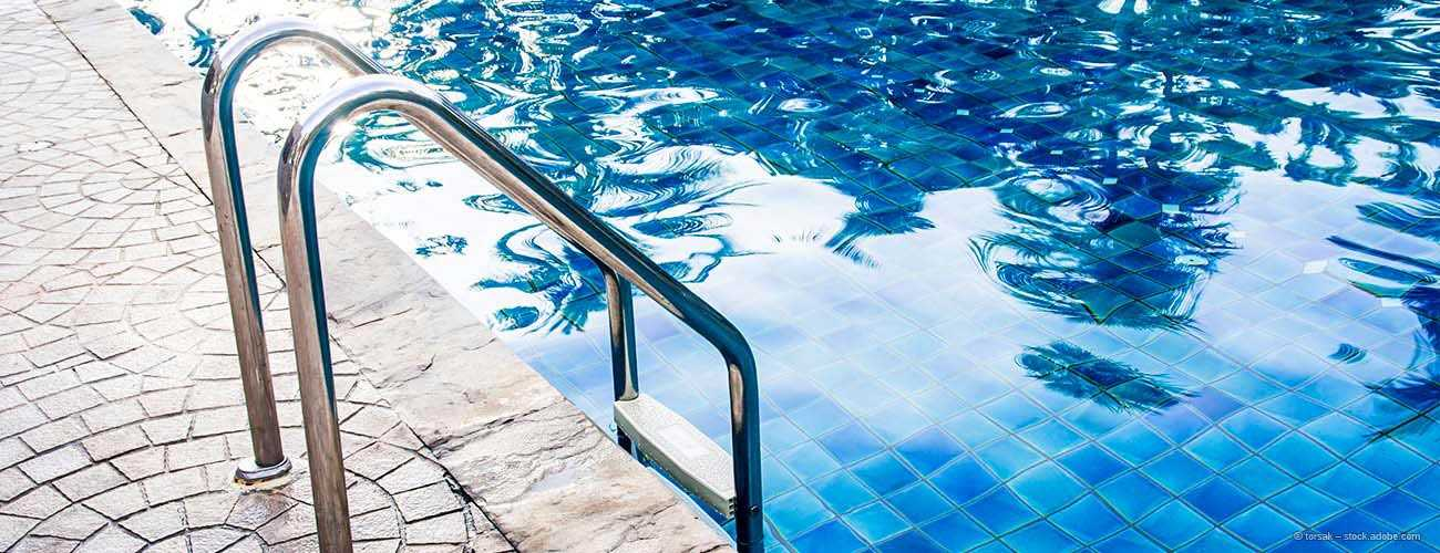 Edelstahl-im-Schwimmbad_topbanner